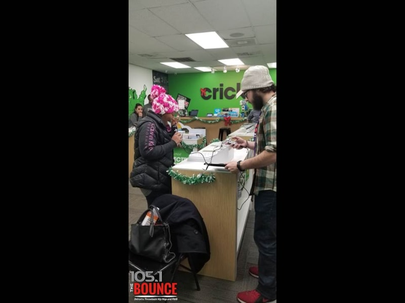 Your Favorite Home Girl Cortney Hicks was hanging out at Cricket Wireless....